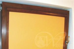 rolety w kasecie drewnopodobnej, kolor tkaniny A0816