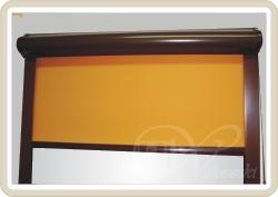 rolety w kasecie koloru br�z, kolor tkaniny A0819