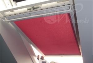 rolety na okna dachowe w kasecie, kolor tkaniny AE09